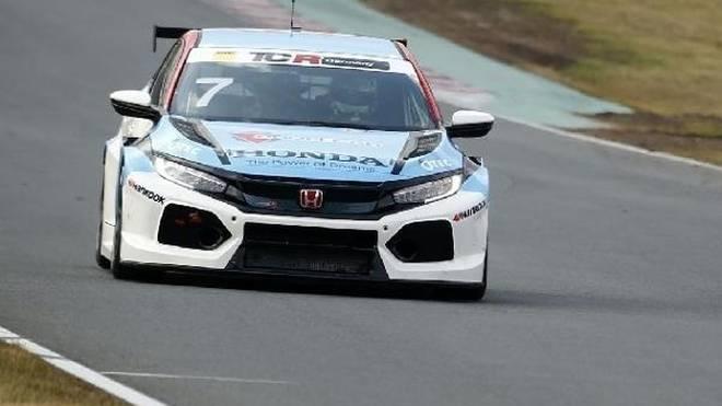 Mike Halder holte sich die Pole-Position für das erste TCR-Rennen