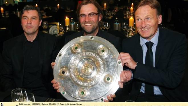 Borussia Dortmund feiert im Restaurant View in Dortmund die Meisterschaft am 05.05.2012