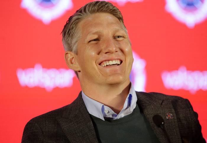 Demnach erhält Schweinsteiger für die Saison 2018/19 von seinem Klub Chicago Fire ein Salär von 6,1 Millionen Dollar (gut 5,1 Millionen Euro) – 700.000 Dollar mehr als im Vorjahr