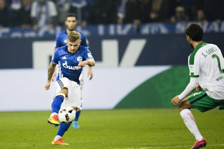 Die Geschichte des zweiten Sonntagsspiels schreibt Max Meyer. Der Schalke-Youngstar läuft trotz Bänderriss gegen Werder auf - und leitet mit einem Latten-Knaller aus 20 Metern die Führung für Schalke ein. SPORT1 zeigt die Bilder des 10. Bundesliga-Spieltags.