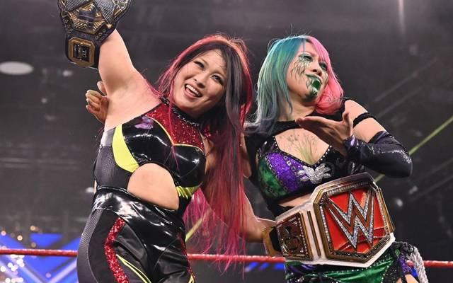 Io Shirai und Asuka jubelten beim WWE Great American Bash