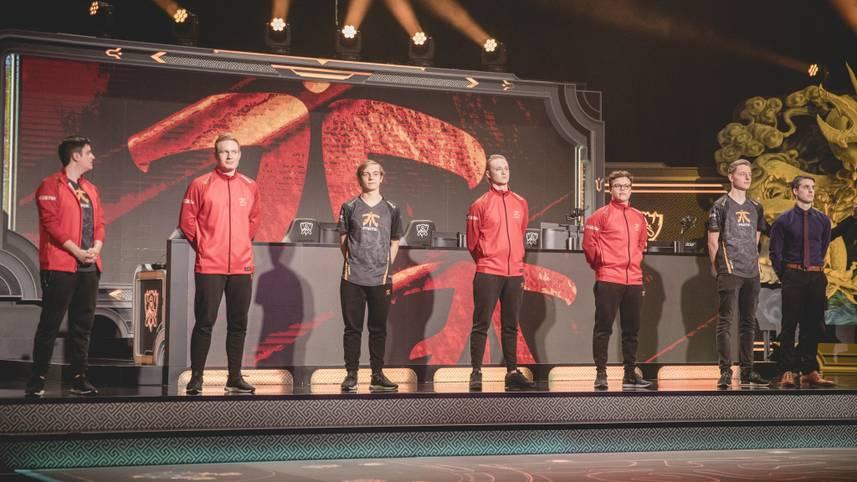 12. Fnatic fand 2017 als Rekordmeister der EU LCS langsam wieder in die Spur zurück. Rekkles wurde MVP des Summer Splits und die Europäer qualifizierten sich wieder für die Worlds. Dort schaffte es das Team nach vier Niederlagen zu Beginn sensationell noch aus der Gruppenphase und scheiterte in den Playoffs knapp an Royal Never Give Up