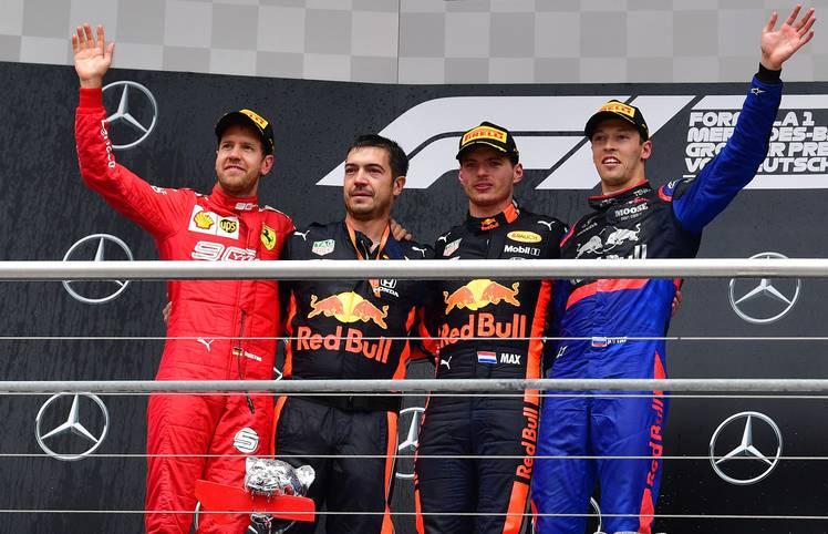 Beim Großen Preis von Deutschland gelingt Sebastian Vettel eine sagenhafte Aufholjagd. Die internationalen Medien sind von der Vorstellung des Deutschen begeistert und schwärmen auch von Max Verstappen. Mercedes kommt dagegen nicht gut weg. SPORT1 fasst die Pressestimmen zusammen