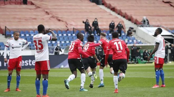 Der Hamburger SV verspielt bei Hannover 96 eine 3:0-Führung