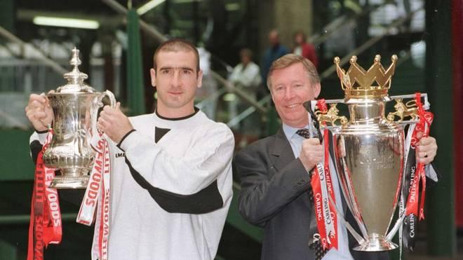 Eric Cantona (mit Sir Alex Ferguson) wurde mit Manchester United viermal Meister und zweimal Pokalsieger
