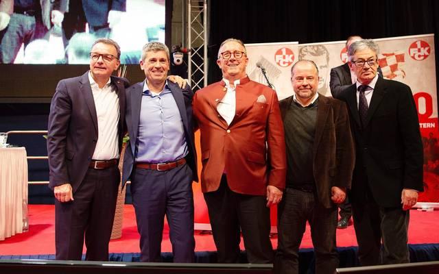 Hoffnung auf bessere Zeiten: Diese Männer beim 1. FC Kaiserslautern unter der Führung von Markus Merk (2.v.l.) bilden den neuen Aufsichtsrat