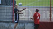 Auf die alten Tage arbeitet Arjen Robben sogar am Kopfballspiel