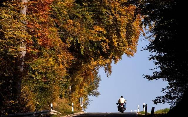 Wenn sich das Wetter ändert, müssen sich auch die Motorrad-Fahrer anpassen