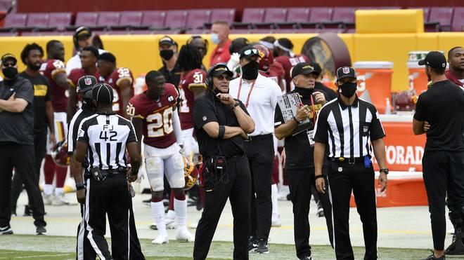 Ron Rivera (m.) ist Head Coach beim Washington Football Team
