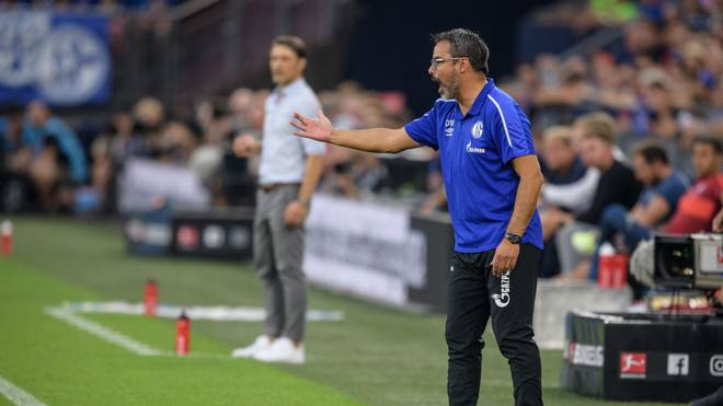 GELSENKIRCHEN, GERMANY - AUGUST 24: Headcoach David Wagner of Schalke reacts during the Bundesliga match between FC Schalke 04 and FC Bayern Muenchen at Veltins-Arena on August 24, 2019 in Gelsenkirchen, Germany. (Photo by Jörg Schüler/Bongarts/Getty Images)