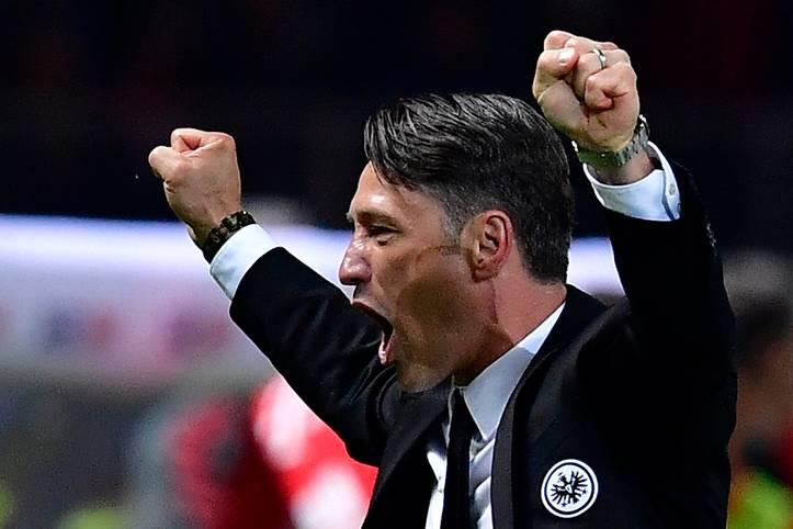 Eintracht Frankfurt ist Pokalsieger! Erstmals seit 30 Jahren gewinnen die Hessen einen Titel. Und bei Trainer Niko Kovac kennt die Freude nach dem 3:1-Sieg gegen seinen späteren Arbeitgeber FC Bayern keine Grenzen mehr