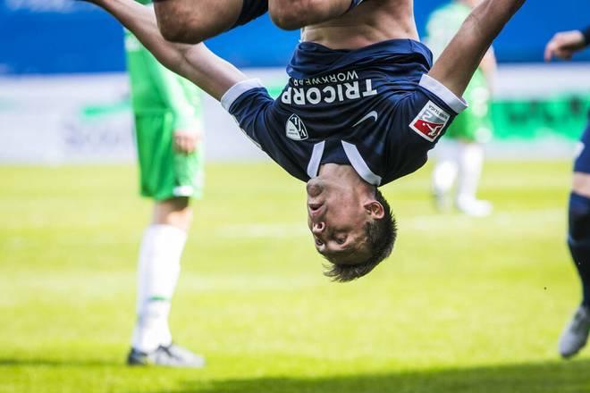 Bochum steht Kopf: Robert Tesche feiert den späten Siegtreffer