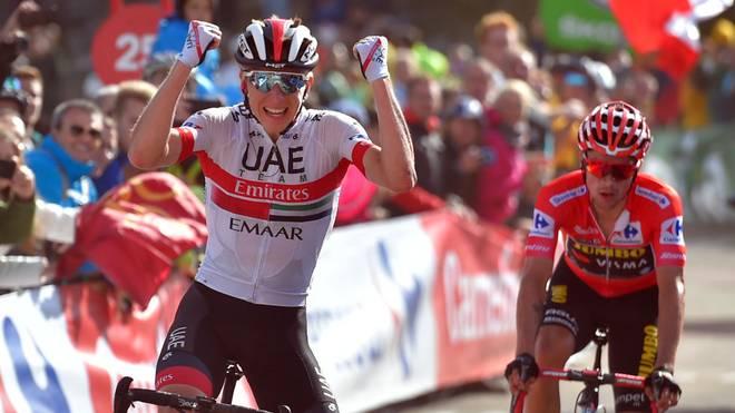 Primoz Roglic (r.) führt die Gesamtwertung bei der Vuelta an