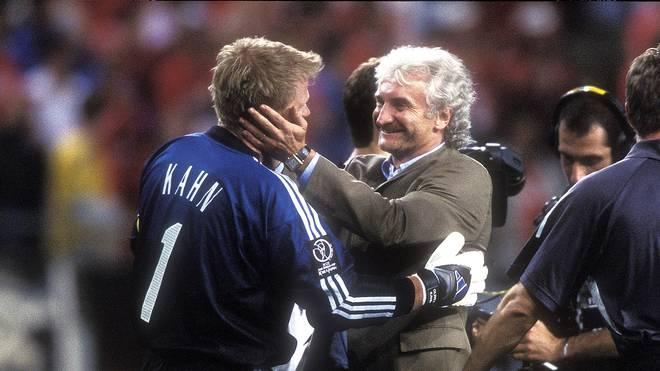 Teamchef Rudi Völler (r.) konnte sich bei der WM 2002 auf Oliver Kahn verlassen - mit einer kurzen Ausnahm