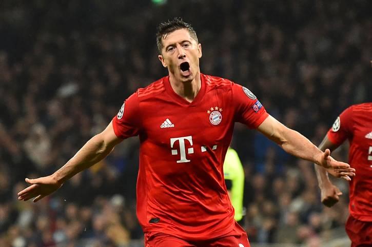 Robert Lewandowski netzt bei Bayerns 7:2-Gala in Tottenham doppelt. Damit holt der Pole eine niederländische Legende ein