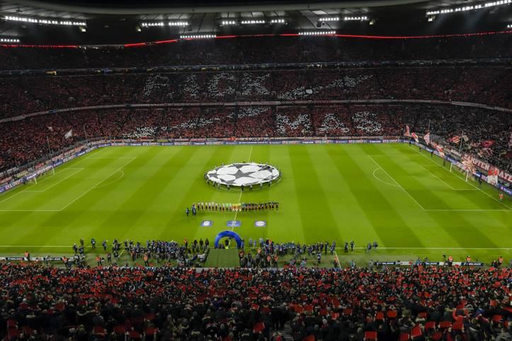 """Welcher Klub ist der wertvollste? Laut der Untersuchung """"The European Elite 2019"""" des Wirtschaftsprüfungsunternehmen KPMG hat sich an der Spitze einiges getan. Vor einem Jahr stand noch Manchester United in der Rangliste ganz oben. Der FC Bayern verbessert sich um einen Rang"""