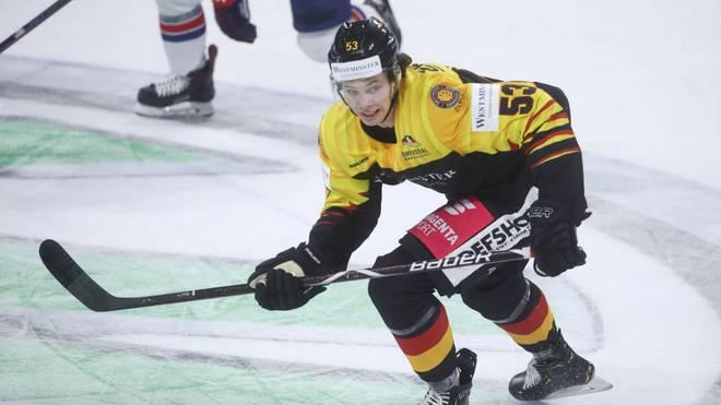 Moritz Seider kämpft am Sonntag mit dem DEB-Team gegen den Abstieg
