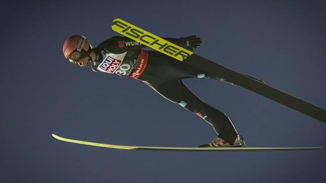Geiger führt in Oberstdorf nach dem ersten Durchgang
