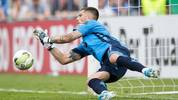 RODINGHAUSEN, GERMANY - AUGUST 11: Goalkeeper Jannik Huth of Paderborn saves a penalty of Lars Lokotsch of Roedinghausen during the DFB Cup first round match between SV Roedinghausen and SC Paderborn 07 at Kunstrasenplatz Haecker Wiehenstadion on August 11, 2019 in Rodinghausen, Germany. (Photo by Lars Baron/Bongarts/Getty Images)