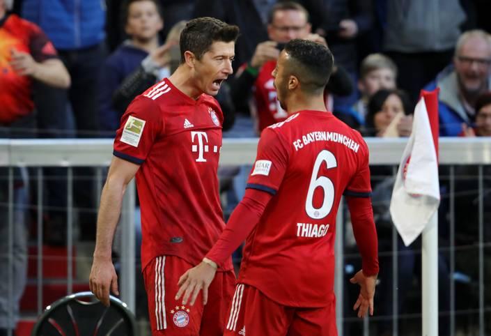 Das war deutlich: Der FC Bayern München erteilt dem BVB im Spitzenspiel der Bundesliga eine Lehrstunde und holt sich die Tabellenführung zurück. SPORT1 hat die Einzelkritik der Bayern-Stars