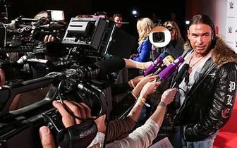 Das Medieninteresse an Wieses Auftritt ist wie zu erwarten nicht gering