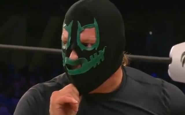 Chris Jericho tarnte sich bei AEW Fight for the Fallen als Mitglied der Dark Order