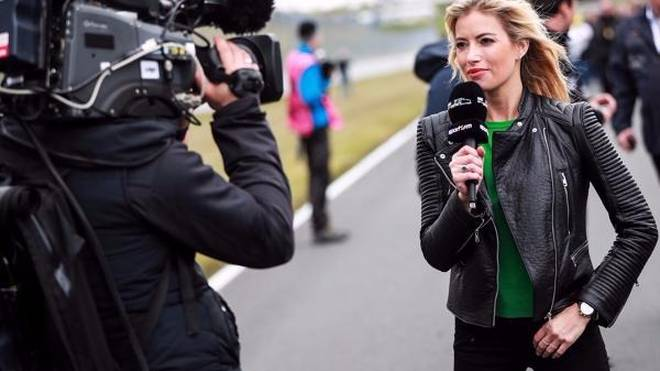Seit dieser Saison moderiert Sarah Winkhaus das GT-Masters bei Sport1