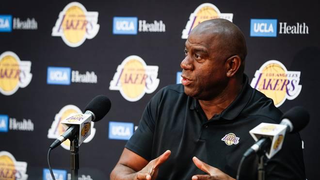 """Earvin """"Magic"""" Johnson erklärte am 9. April seinen sofortigen Rücktritt als Lakers-Präsident"""