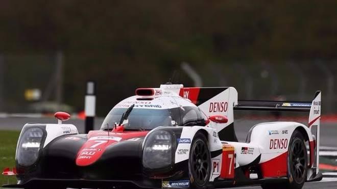 Mike Conway pilotierte den Toyota im ersten Training an die Spitze