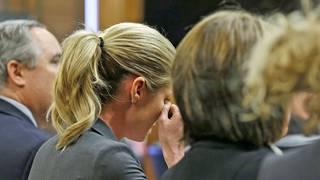 Erin Andrews brach während ihrer Aussage mehrmals in Tränen aus
