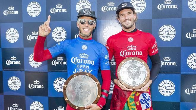 Flying Brazilian Filipe Toledo gewinnt J-Bay! Was für ein Contest, hier der Recap!