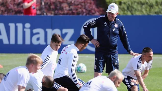 Bayern-Coach Jupp Heynckes versprüht gute Laune in Doha