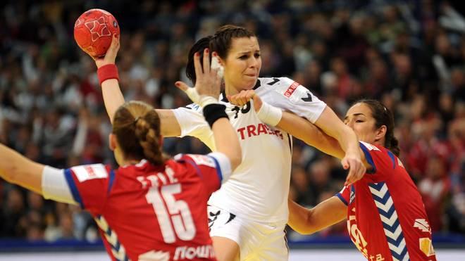 Iveta Luzumova vom Thüringer HC
