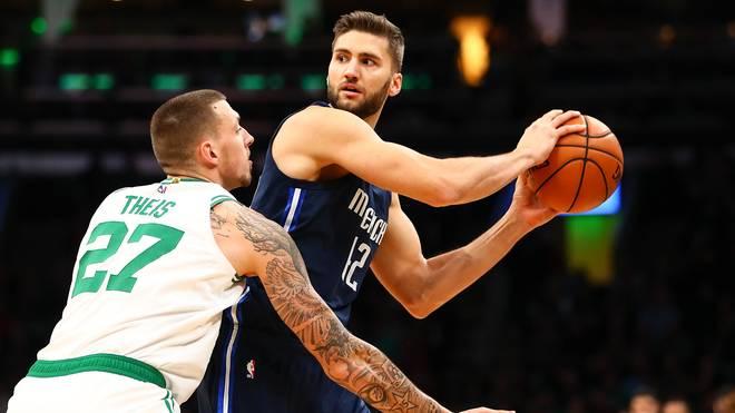 Maxi Kleber (r.) und Daniel Theis wären beim Neustart der NBA dabei