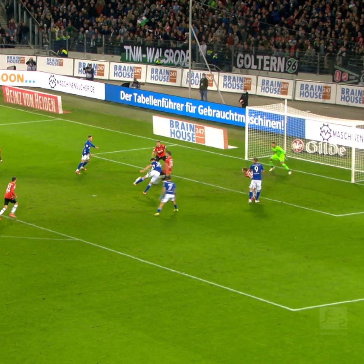 Erst Chancentod, dann Matchwinner: Kaminski lässt Schalke spät jubeln