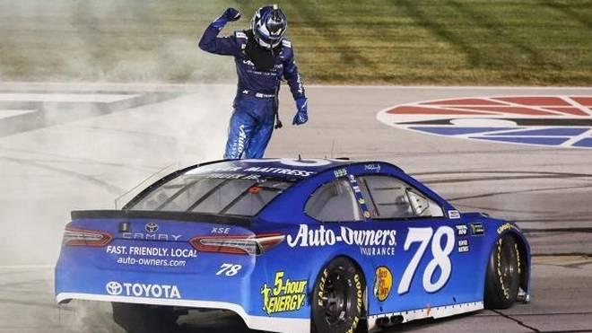 Martin Truex jun. dominierte das NASCAR-Rennen in Kentucky