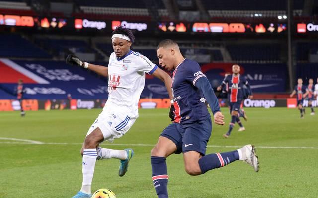 Mohamed Simakan spielte bisher bei Straßburg gegen Kylian Mbappé & Co.
