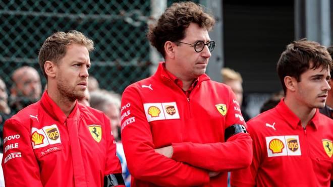 Sebastian Vettel muss sich vor seinem Teamchef Binotto (Mitte) gegen Charles Leclerc (r.) beweisen