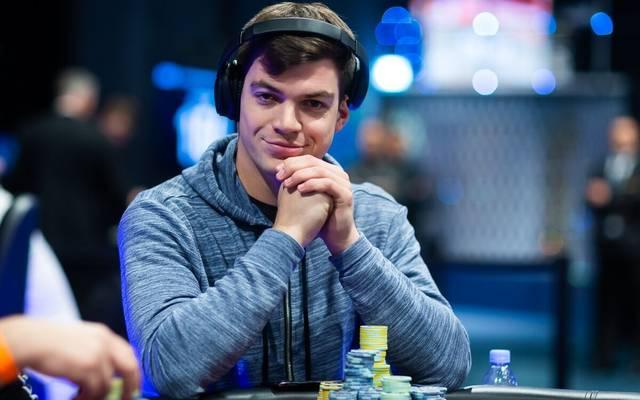 Paul Michalis ist beim Main Event der EPT Monte Carlo noch unter den 30 verbliebenen Spielern
