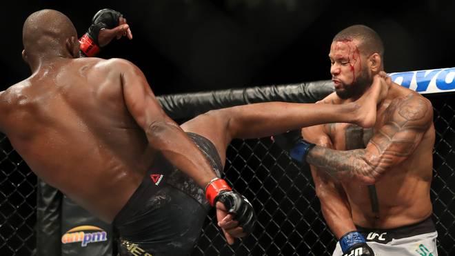 Jon Jones (l.) hatte bei UFC 239 mit Thiago Santos Probleme