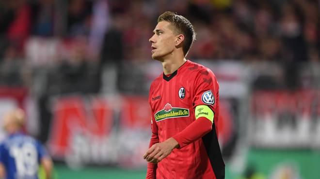 Hostein Kiel v SC Freiburg - DFB Cup