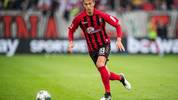DUESSELDORF, GERMANY - SEPTEMBER 29: Janik Haberer of Freiburg controls the ball during the Bundesliga match between Fortuna Duesseldorf and Sport-Club Freiburg at Merkur Spiel-Arena on September 29, 2019 in Duesseldorf, Germany. (Photo by Lukas Schulze/Bongarts/Getty Images)