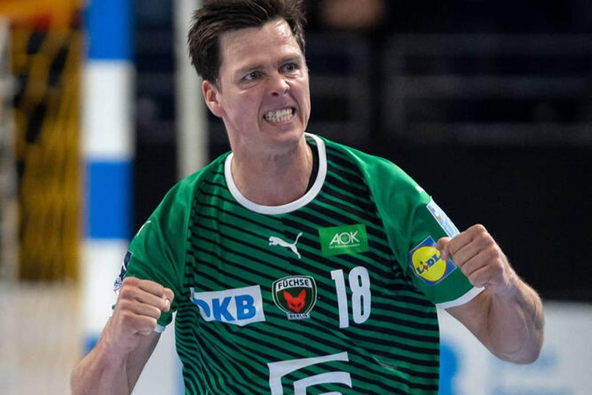 Die Füchse Berlin haben mit reichlich Mühe ihren starken Saisonstart in der Handball-Bundesliga fortgesetzt.
