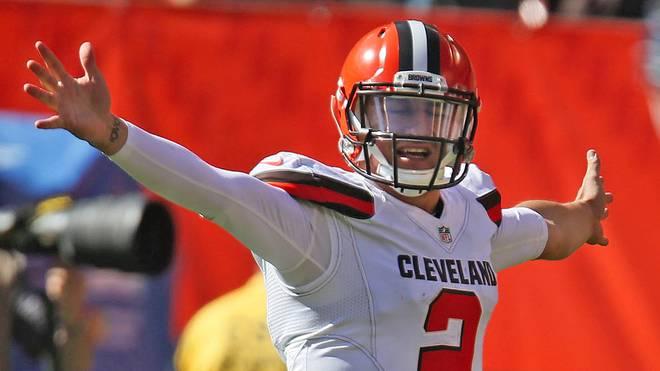 Johnny Manziel von den Cleveland Browns streckt die Arme auseinander