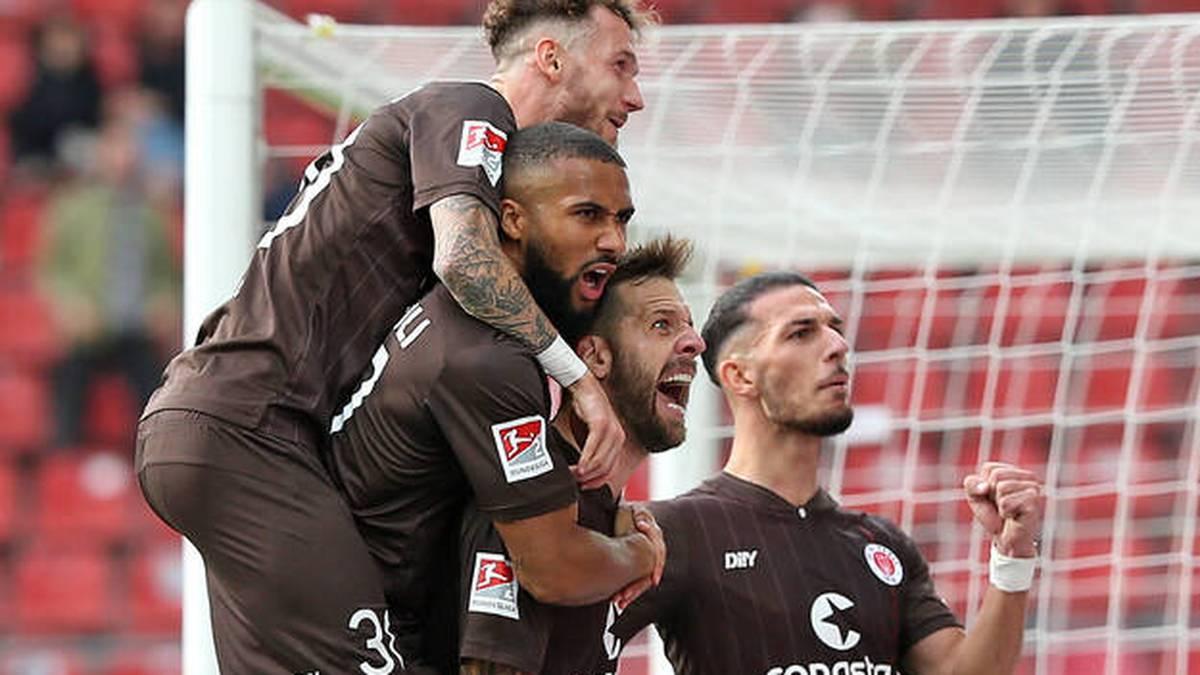 St. Pauli erobert Tabellenspitze - Rekord-Pleite für SVS