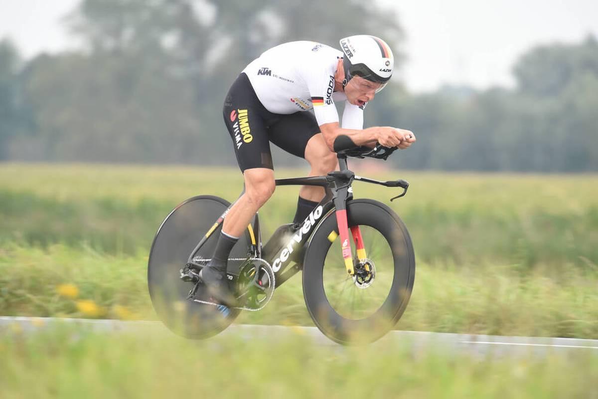 Tony Martin feiert einen krönenden Abschluss seiner Radsport-Karriere. In seinem letzten Rennen gewinnt der 36-Jährige bei der WM in Belgien Gold.