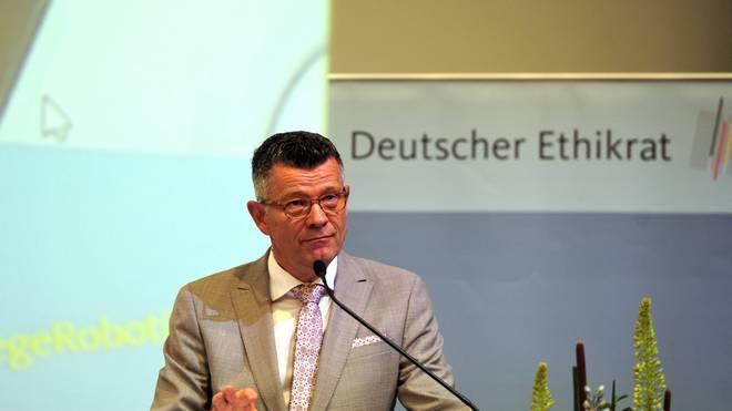 Peter Dabrock war bis April Vorsitzender des Ethikrats