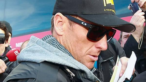 """Die Konsequenz: Der Rad-Weltverband musste all seine Ergebnisse seit August 1998 annulieren, darunter die sieben Siege bei der Tour de France zwischen 1999 - 2005. Der einstige """"Tourminator"""" steht als einer der größten Betrüger des Profisports da"""