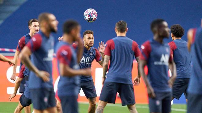 Neymar meldet sich bei PSG zurück
