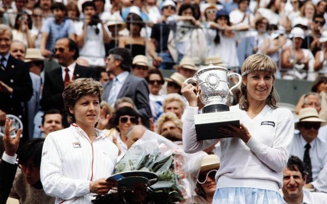 Mit sieben Siegen ist Chris Evert (r.) die alleinige Rekordhalterin bei den French Open